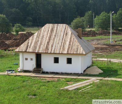 Русская изба в Этномире Калужской области
