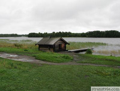 Баня на берегу Онежского озера
