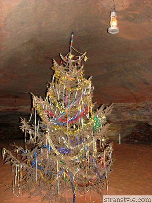 Новый год в пещере под землей