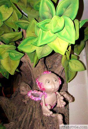 Ангел на дереве в музее кукол