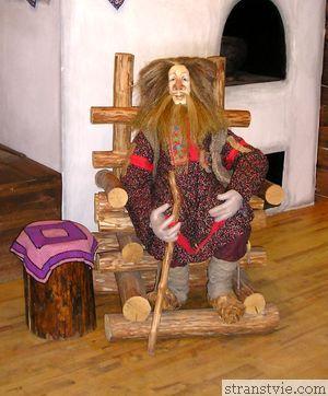Домовой в музее кукол в Петрозаводске