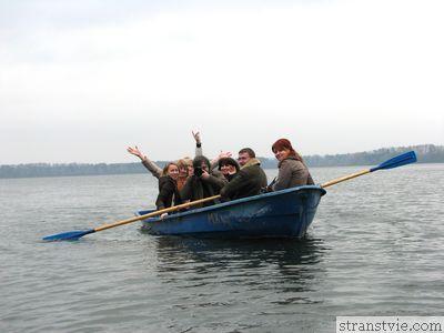 Лодка на Истринском водохранилище