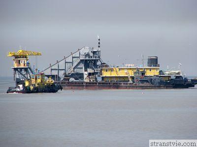 Корабли в водах Финского залива