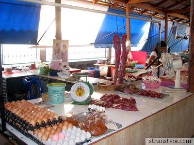 Мясо на рынке Таиланда