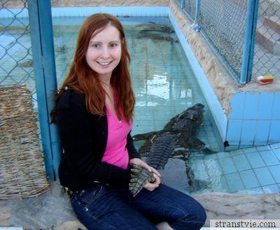 Annet поймала крокодила за хвост