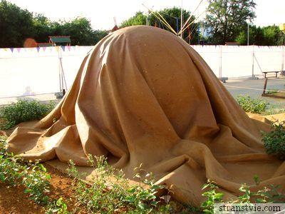 Шар на выставке песчаных скульптур в Коломенском