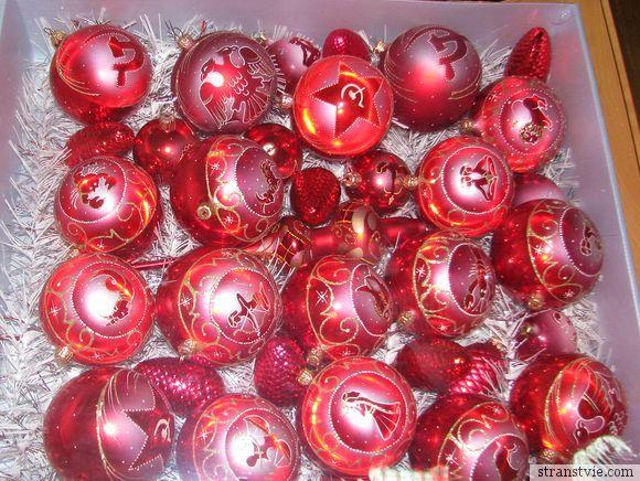 Одноцветные ёлочные шары