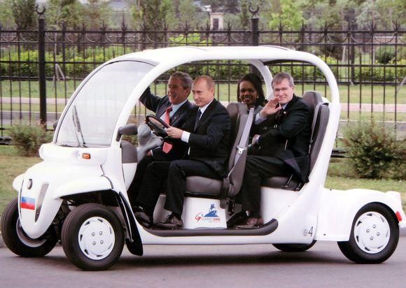 Путин на машинке