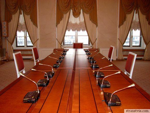 Зал для прессух в президентском дворце