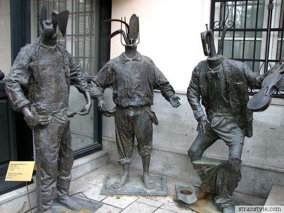 памятник мужским достоинствам