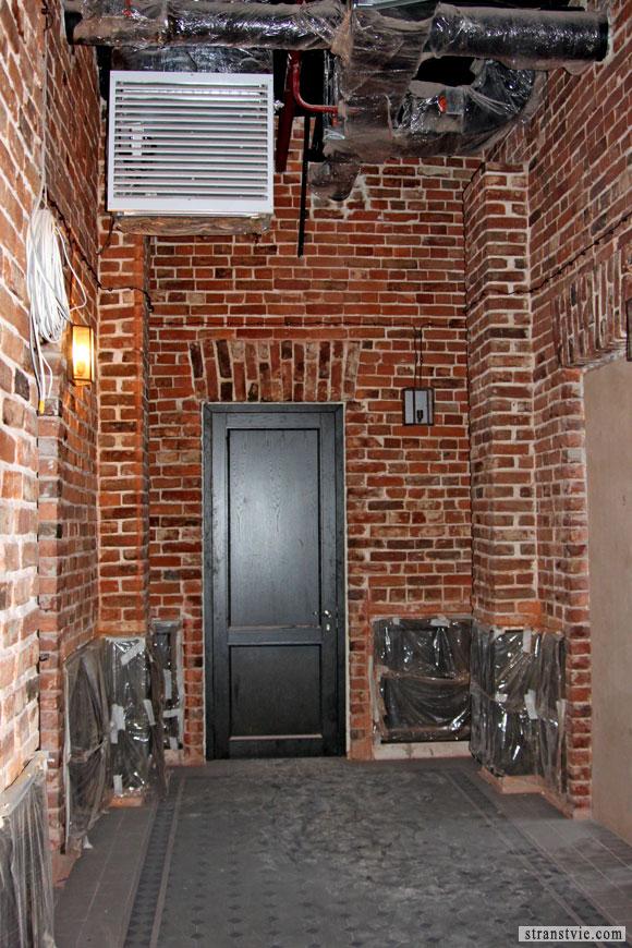 дверь в лофт